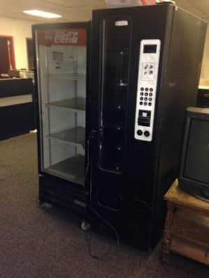 30 selection vending machine for Sale in Caledonia, MI