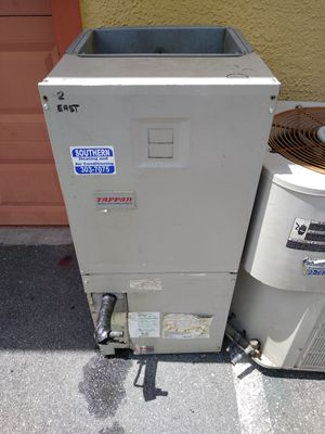 Lennoxd ton3 good AC unit with air handler for Sale in Bay Lake, FL