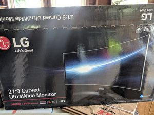 LG Ultrawide Curved 1440p Monitor for Sale in Redford Charter Township, MI