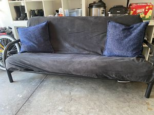 Black Futon couch/bed for Sale in Murfreesboro, TN
