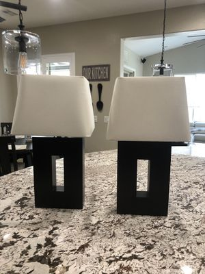 (2) Dark brown heavy lamps with cream colored shades for Sale in Las Vegas, NV