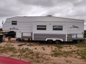 5th wheel trailer for Sale in Midland, TX