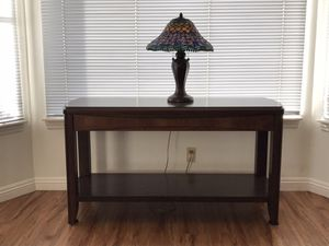 Brown behind sofa table for Sale in Apple Valley, CA