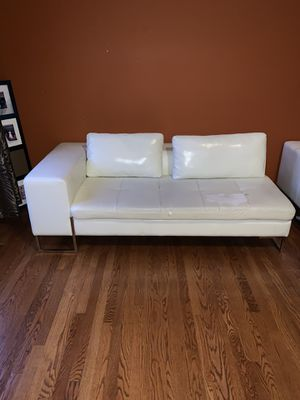 White Leather Couch for Sale in Matteson, IL