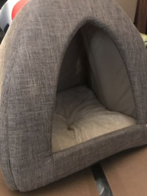 DOG HOUSE BRAND NEW for Sale in Los Angeles, CA