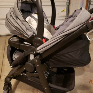 Graco SnugRide 35 Travel System for Sale in Willoughby, OH