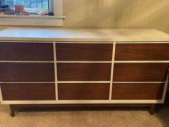 "Real Wood Mid Century Modern Vintage Dresser 60""long x18""deep x30"" Tall for Sale in Tacoma,  WA"