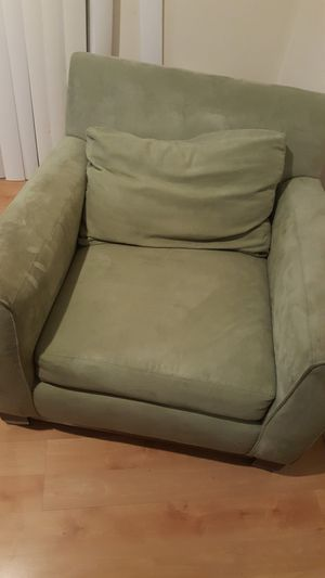 Green chair needs shampoo, 50.00 for Sale in Millersville, MD