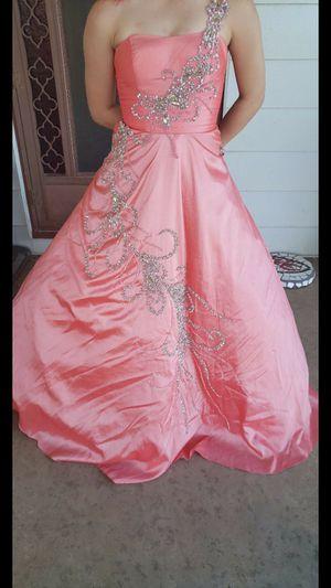 Beautiful pink size 1 prom dress Hutchinson ks for Sale in Willowbrook, KS