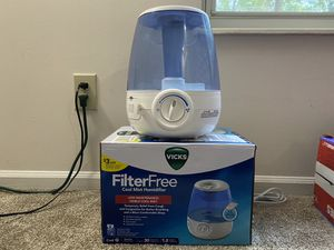 Vicks filter free cool mist humidifier for Sale in Dublin, OH