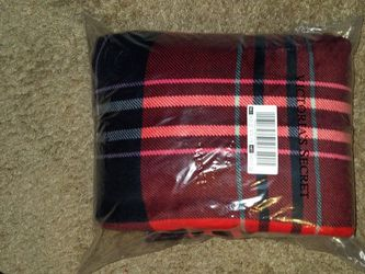 Victoria's Secret Plush Blanket for Sale in Euless,  TX