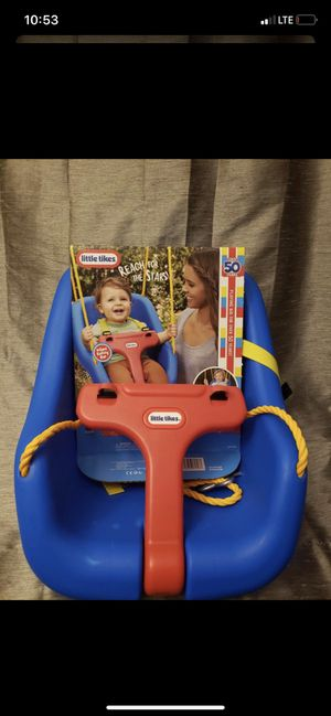 Little tikes 2 in 1 snug and secure swing for Sale in Downers Grove, IL
