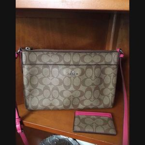 Coach Purse With Wallet for Sale in Downey, CA