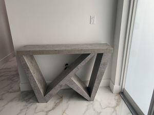 Console table for Sale in Homestead, FL