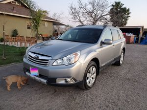 Subaru outback 2010 for Sale in Turlock, CA