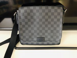 Brand New Louis Vuitton District PM for Sale in Los Angeles, CA