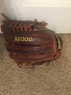 Wilson A2000 baseball glove for Sale in Turlock, CA