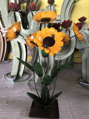 Beautiful Metal Sunflowers for Sale in Austin, TX