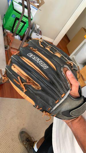 Easton Softball Glove for Sale in Long Beach, CA