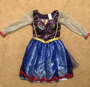 Costumes and Disney Dresses / size 4 - 6x (11 Total) for Sale in Anaheim, CA