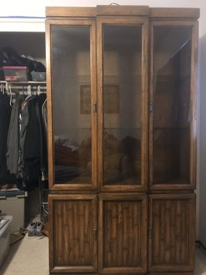 China hutch cabinet with lights for Sale in Fresno, CA