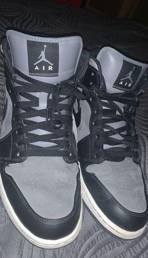 Jordan 1 mid cool Grey black for Sale in Del Sur, CA