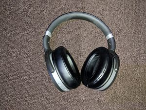 Sennheiser HD 4.50 BTNC Wireless Headphones for Sale in Greenacres, FL