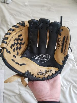Youth Rawlings Baseball mitt. Youth Size Reg. USED ONCE!! for Sale in Price, UT