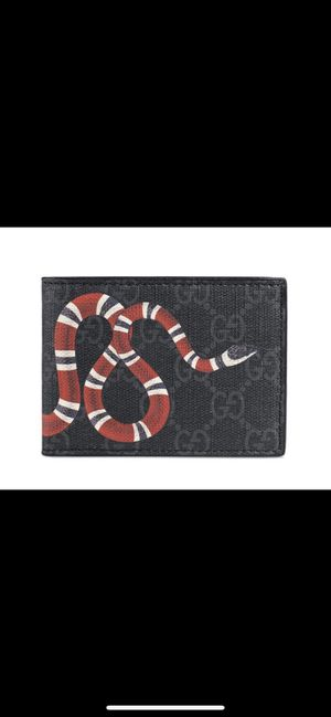 Gucci's wallet for Sale in San Diego, CA