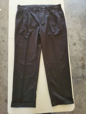 Van Heusen Dress Pants 38/32 for Sale in Tulare, CA