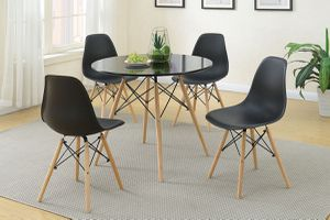5pcs dining table set , table set , dining table, chairs for Sale in Los Angeles, CA