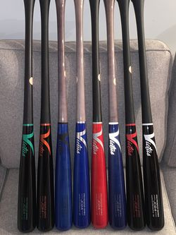 """Victus JC24 Hard Gloss Maple Wood Bat Size 32"""" for Sale in Chicago,  IL"""