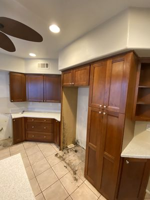 Kitchen Cabinets for Sale in South Gate, CA