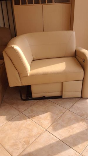 "Villa Int'l RV 84"" x 75"" Expanding Soft Foam t-Sectional for Sale in Elk Grove, CA"