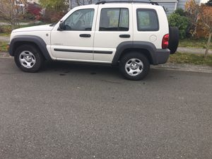 2004 Jeep Jeep liberty 4 x 4 for Sale in Everett, WA