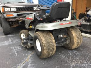 42 inch craftsman lt2000 lawn tractor for Sale in Snellville, GA