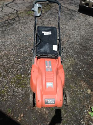 Black and Decker Electric Push Mower for Sale in Binghamton, NY