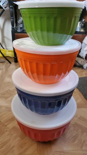 4 nice bowl container storage for Sale in Stockton, CA