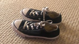 Black converse US size 2 for Sale in Round Rock, TX