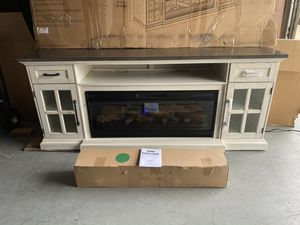 "40% OFF // OPEN BOX NEW CONDITION // COSTCO 78"" Tresanti Sloane Fireplace TV Console for Sale in Deerfield Beach, FL"