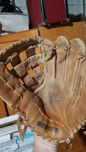 softball glove for Sale in SeaTac, WA