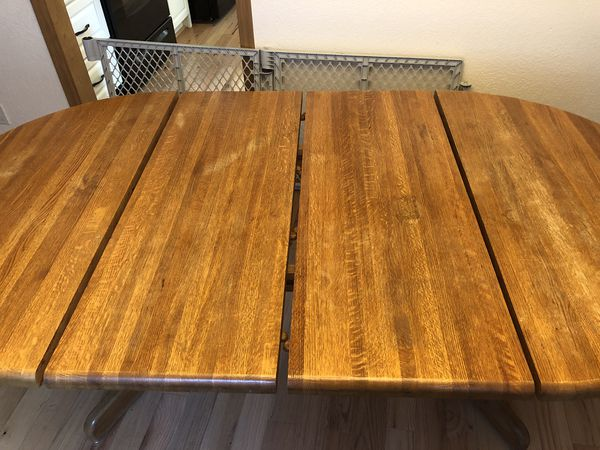 FREE! Oak dining table, 2 leafs, 5 chairs