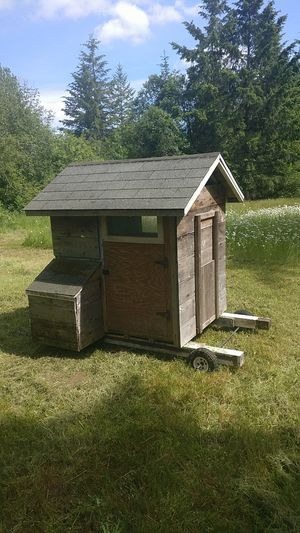 Chicken Coop. On wheels. for Sale in Tenino, WA