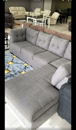 Grey Sectional Couch 🛋 with SAME DAY DELIVERY ☘️Hln ☘️ for Sale in Houston,  TX