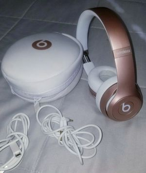 ☆☆☆☆☆ BEATS SOLO WIRELESS GOLD PINK EXCELLENT CONDITION!!!🤩🤩🤩😍😍😍 for Sale in Denver, CO