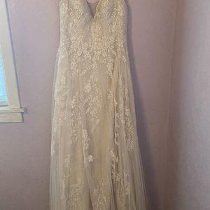 Wedding Dress for Sale in Citrus Heights, CA