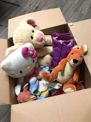 Box of stuffed animals and accessories for Sale in El Mirage, AZ