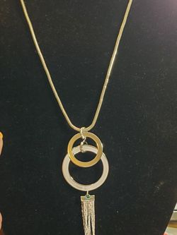 Amazing Stainless Steel Silver Tone Statement Necklace 30 Inch Chain for Sale in Wenatchee,  WA