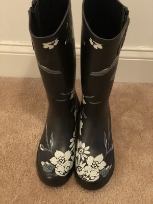 Rain Boots Size 7 for Sale in Magnolia, DE