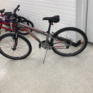 Mens Trek 3500 Bicycle for Sale in Indianapolis, IN